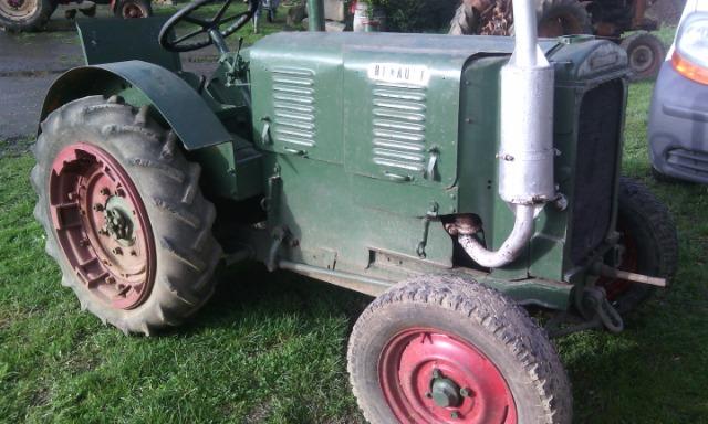 Quel ? type de tracteur Renault 24mv8z