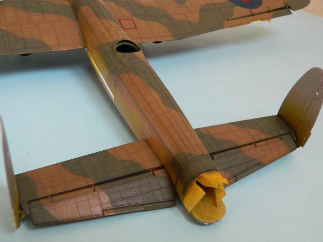 AVRO LANCASTER  Mk.III. Tamiya 1/48° - Page 10 082vio