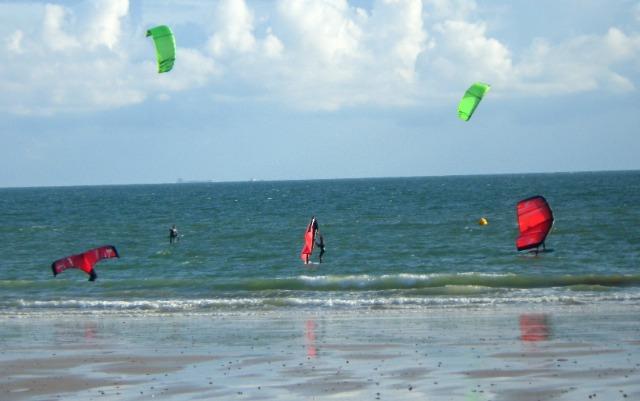 Wingsurf, Wingfoil , les majors du kite s'y mettent tous ... - Page 3 12g308