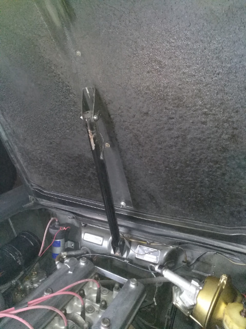 eclairage sous le capot moteur 30aquy